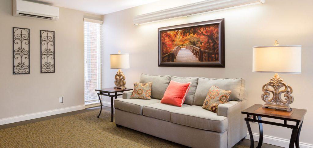 Four Seasons Living area