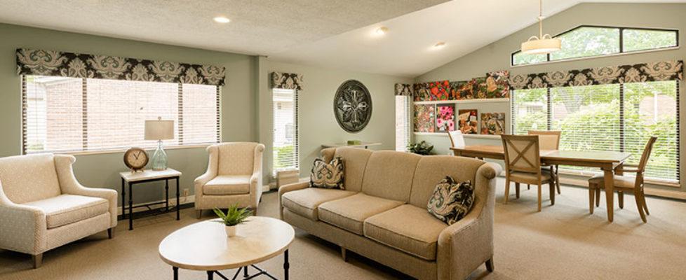 Four Seasons Common Area Lounge